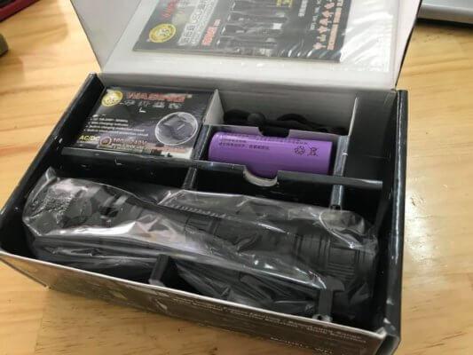 Trọn bộ sản phẩm Đèn Pin Siêu Sáng Cree XM-L U2 Wasing WFL-H11 (Chính Hãng)