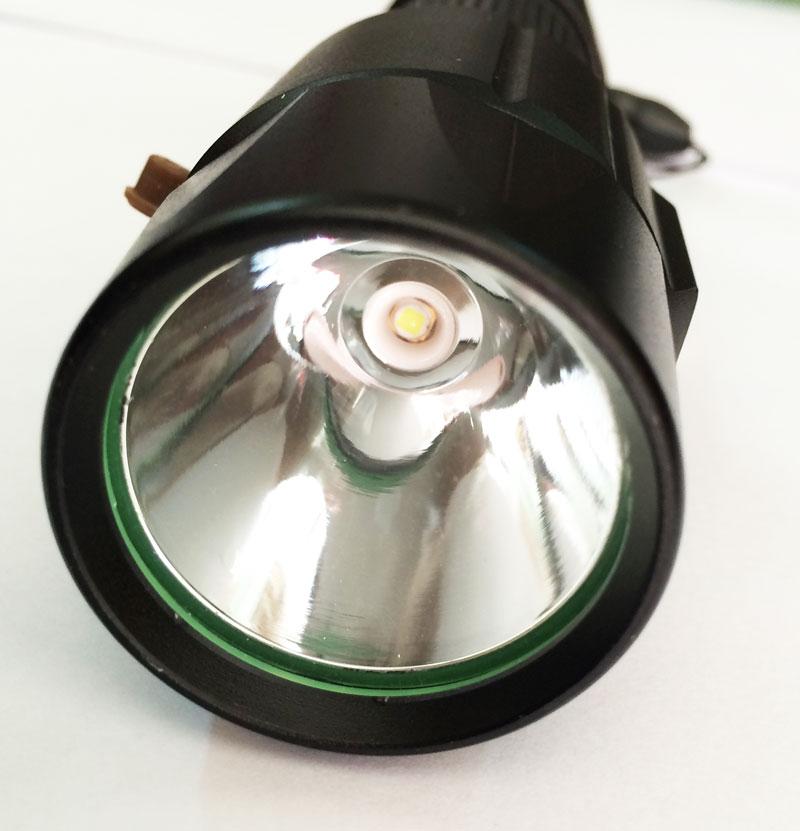 Đèn Pin Siêu Sáng Police Cree T6 6812