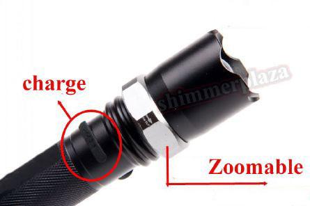Sạc pin trực tiếp ngay trên thân đèn và đèn có vòng Zoomable để chiều chỉnh độ sáng